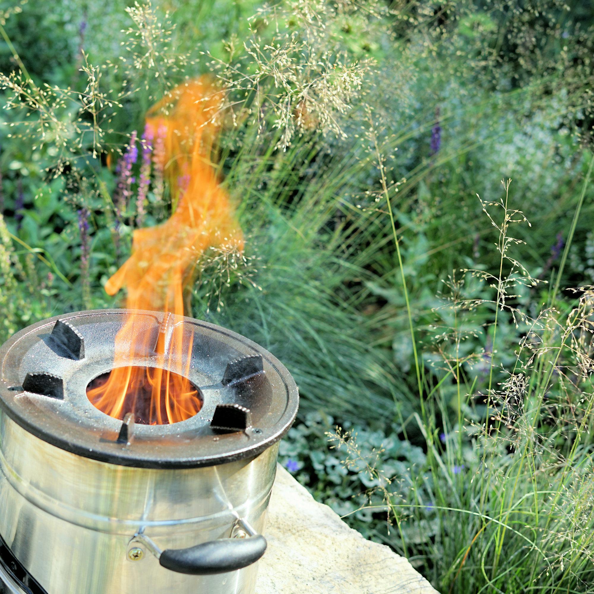 Raketenofen Mobile Feuerstelle Zum Braten Kochen Grillen Campfeuer De Der Onlineshop Fur Camping Und Outdoor